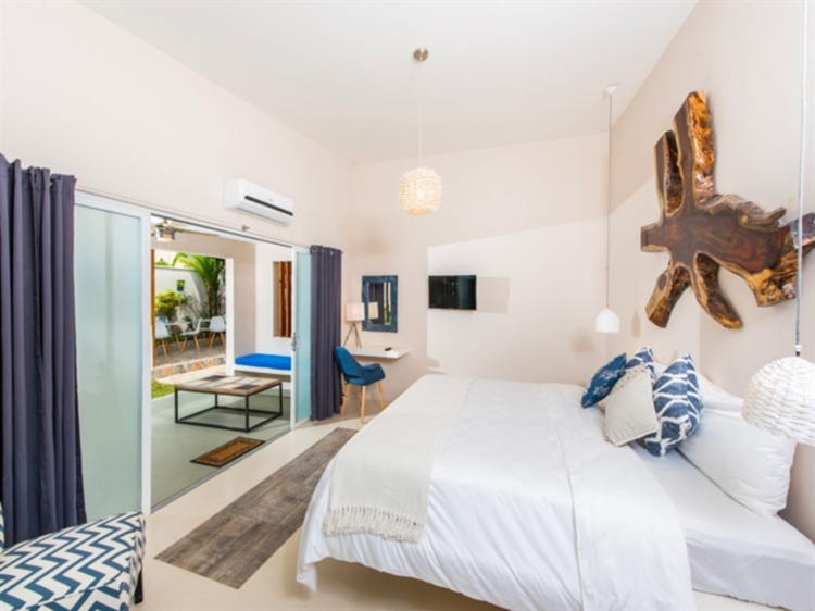 charming new boutique hotel - 8
