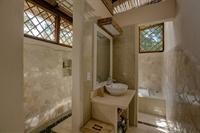 six jungle villa resort - 3