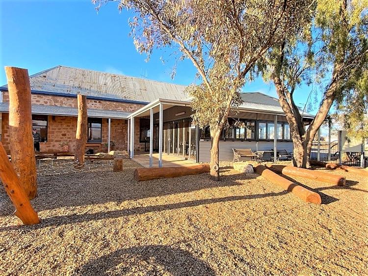 cradock hotel australian outback - 11