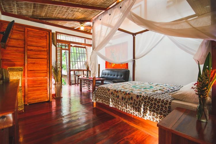 six jungle villa resort - 5