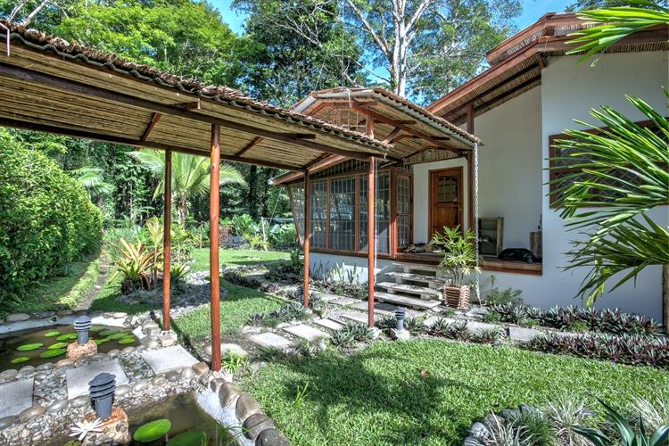 six jungle villa resort - 8
