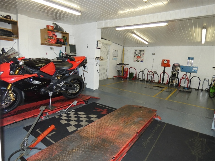 mot motorcycle centre runcorn - 4